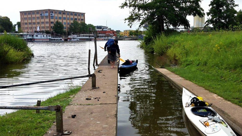 Paddeln auf der Weser:  Hameln-Bootsgasse, RKC-Rinteln, KKM-Minden und Wasserstrassenkreuz.